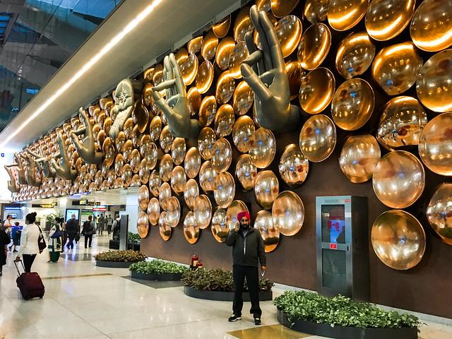 Impressive decoration of Indira Gandhi International Airport, India インド、インディラ・ガンディー国際空港の印象的な装飾