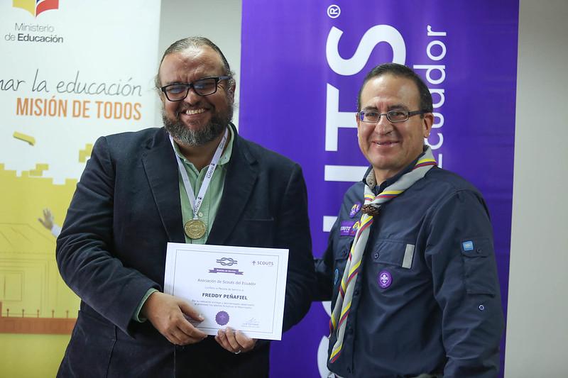 Scouts del Ecuador entrega reconocimiento al Ministro de Educación Freddy Peñafiel