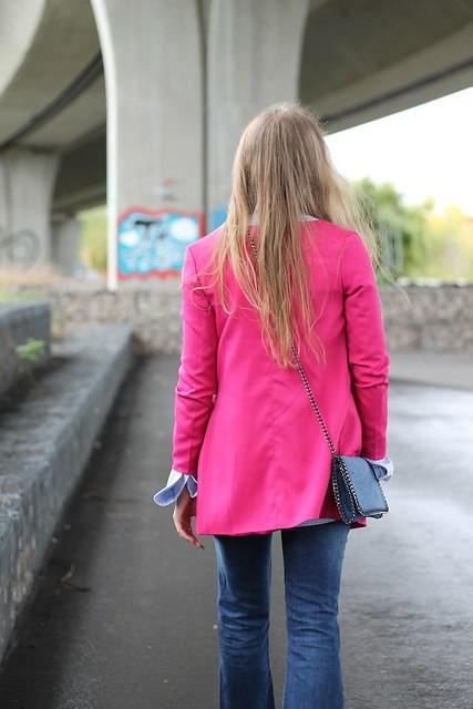 pink-coat-details-back-wiebkembg