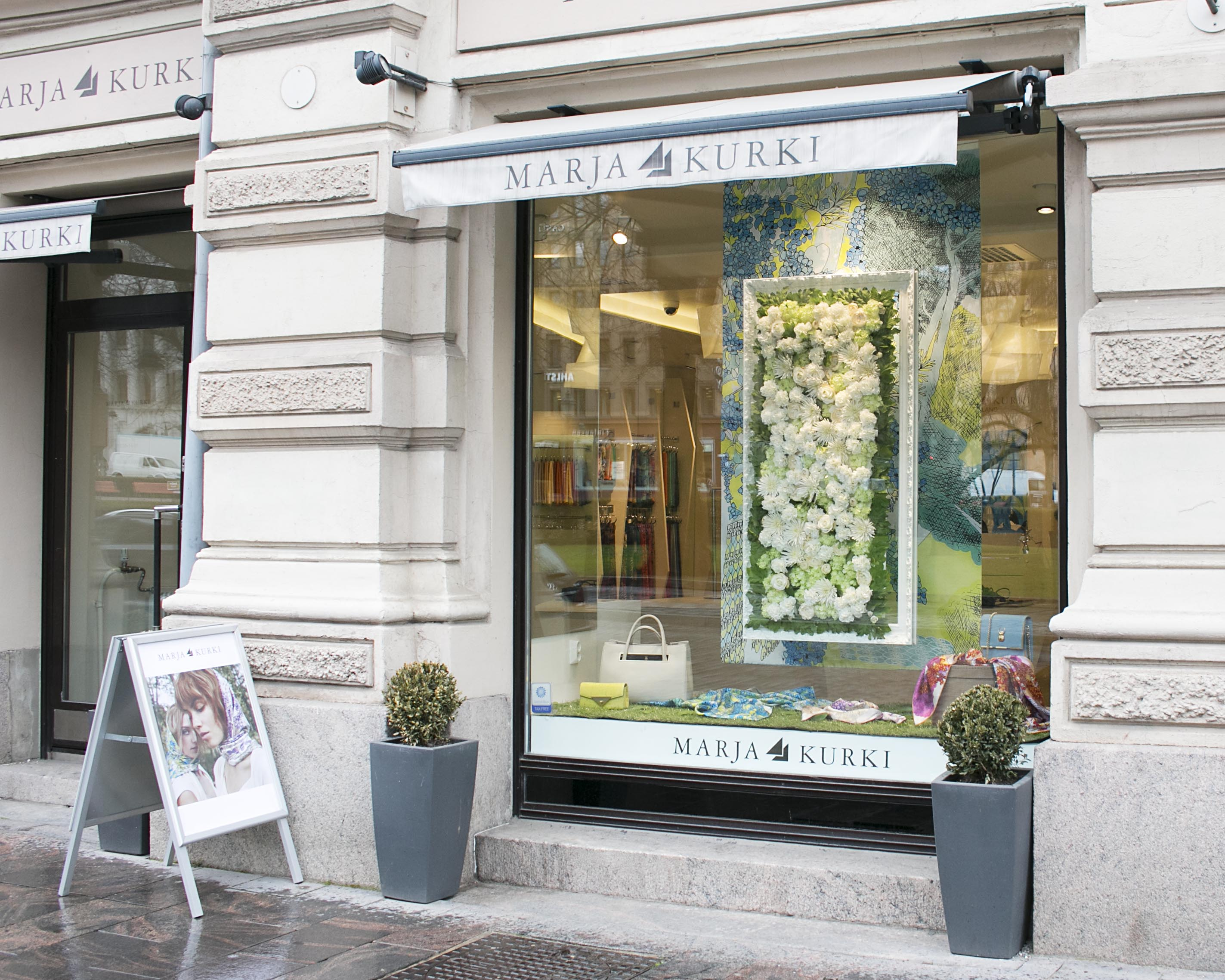 flower window display 1