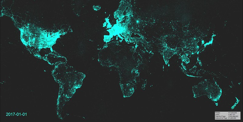Animated Map of globally geotagged Flickr photos, 2007-2017