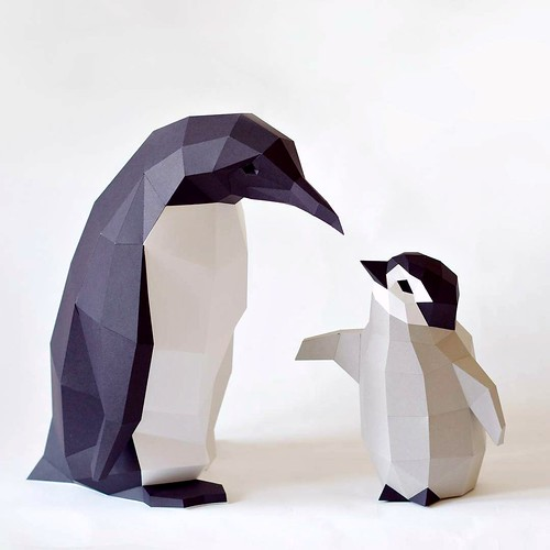 Low Poly Papercraft Penguin Models by Paperwolf