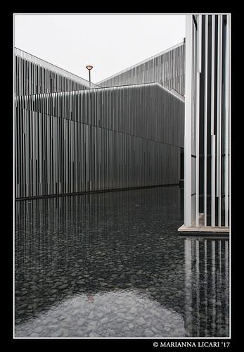 Geometrie e riflessi sull'acqua / Geometries and reflections on the water
