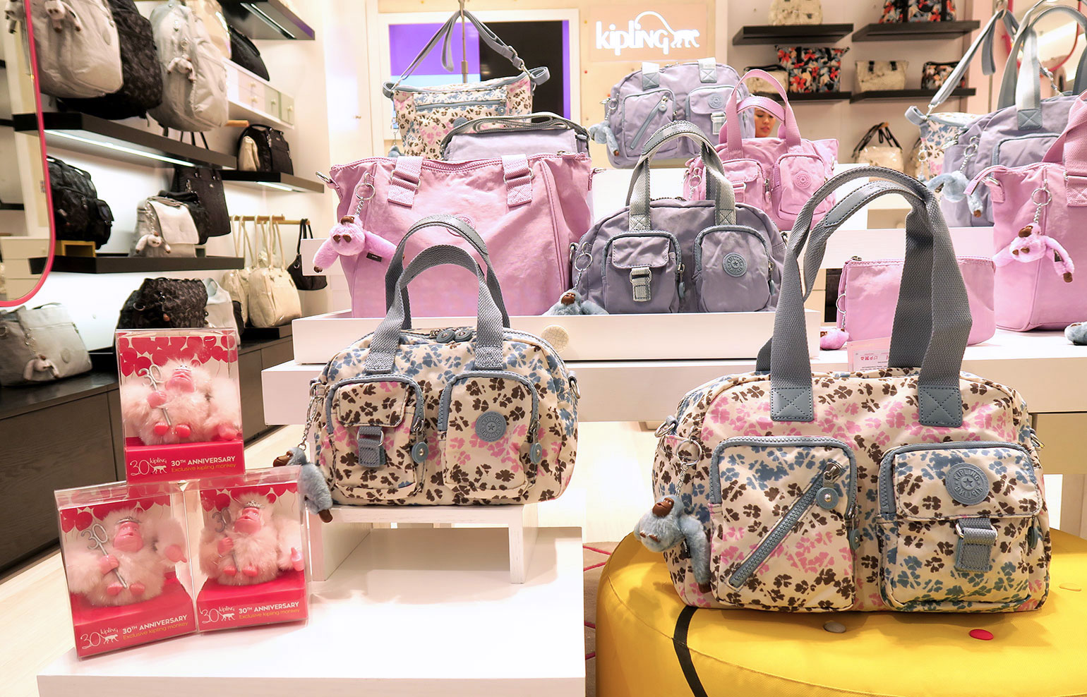 4.1 Kipling Philippines 30 years - Uptown Mall - Dream Garden Collection - Gen-zel.com(c)