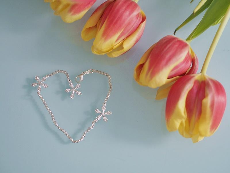 kalevala-koru-rannekoru-lumihiutale-jewelry