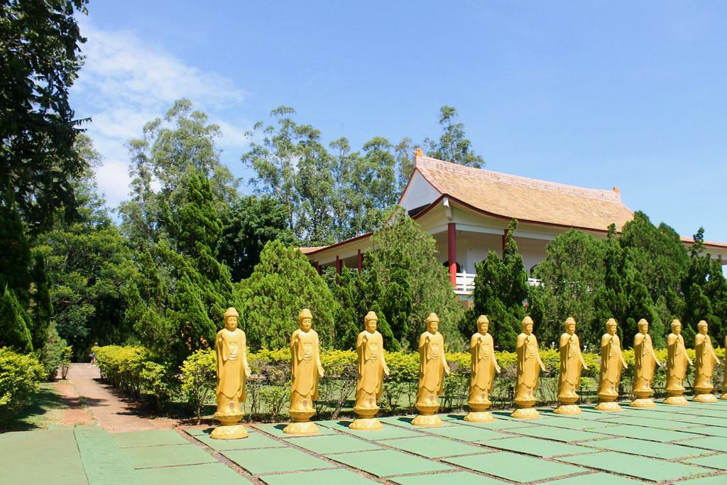 templo-budista-foz8v2