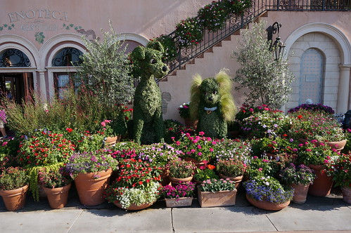 Lady and the Tramp Topiary | by Disney, Indiana