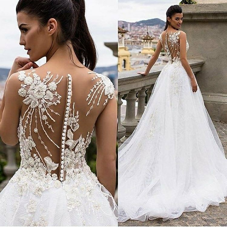 The back on this exotic wedding gown is amazing. Have xout… | Flickr