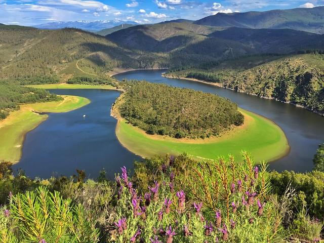 Meandro de El Melero desde el mirador de La Antigua en Las Hurdes (Extremadura)