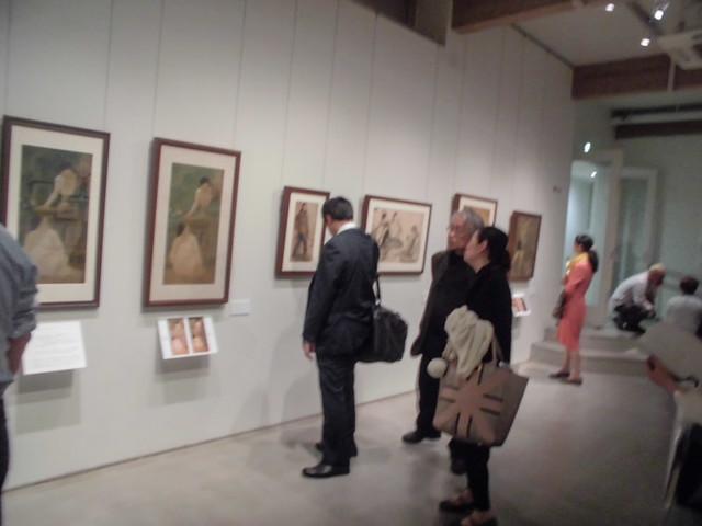 「女たちの絹絵」の展示会場(上野の森美術館ギャラリー)