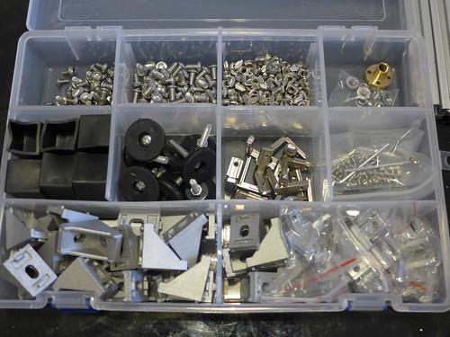 組裝 2020 鋁擠框架時用到的零件