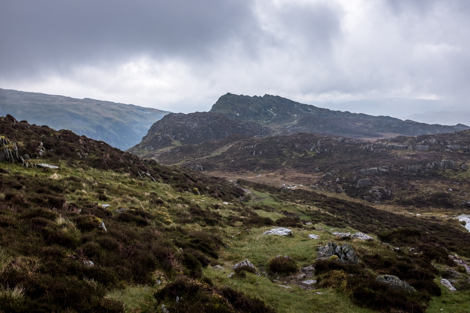 A look along Fleetwith Pike to Black Star