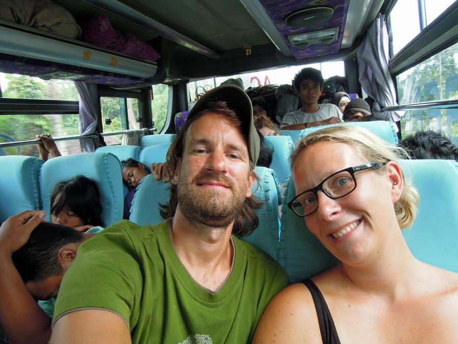 Bussimatkalla_bussissa_blogi
