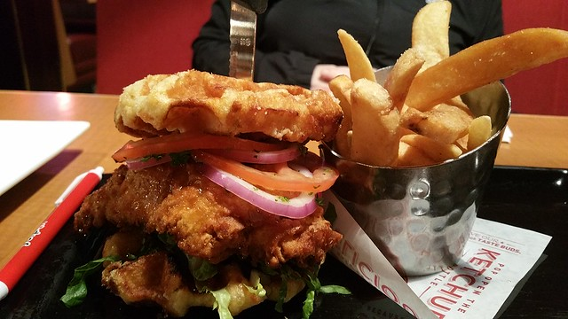 2017-Apr-25 Red Robin - The Bee's Knees