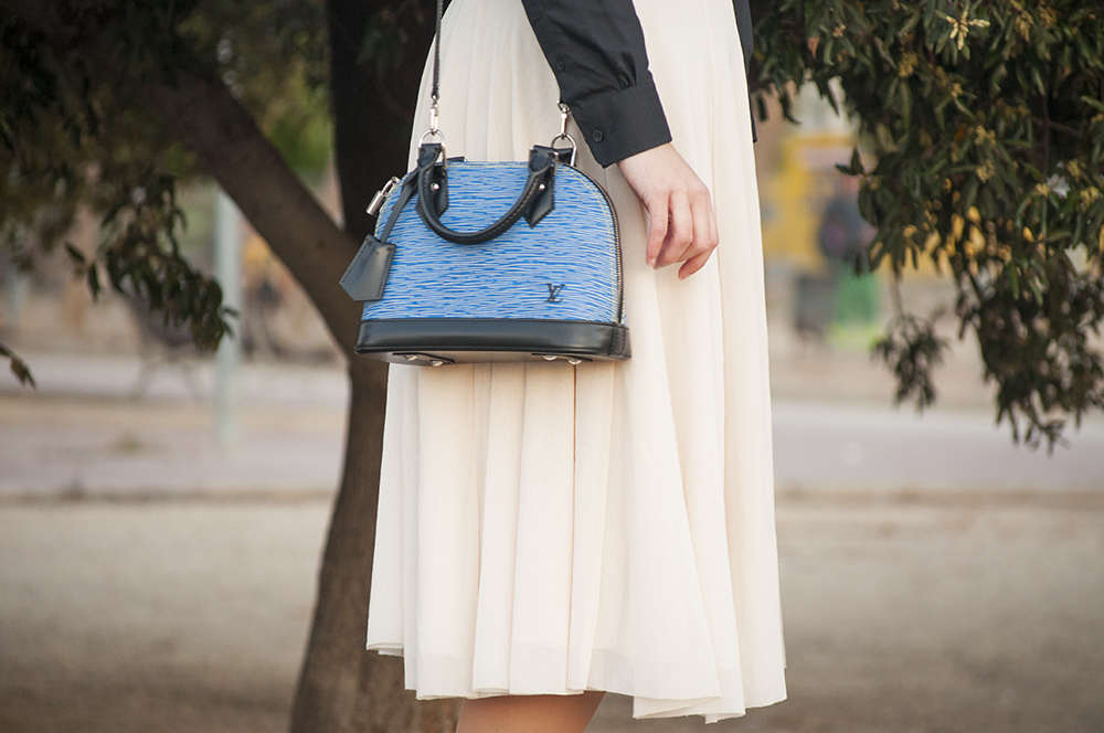 valencia fashion blogger spain somethingfashion outfit lace skirt midi fancy flats fallera shoes LV bag denimDSC_0538 copia