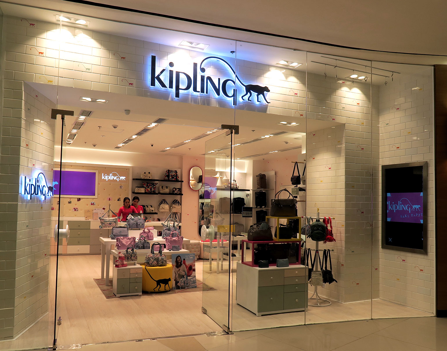 1 Kipling Philippines 30 years - Uptown Mall - Dream Garden Collection - Gen-zel.com(c)