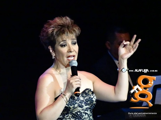 Cessy Casanova - Teatro Galerías - Guadalajra, Jalisco, México. (13-Mayo-2017)