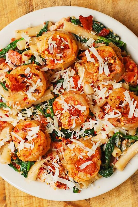 easy shrimp pasta dinner, creamy shrimp dinner, creamy bacon pasta with shrimp