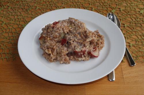 Gebackenes Porridge mit Rhabarber (meine erste Portion)