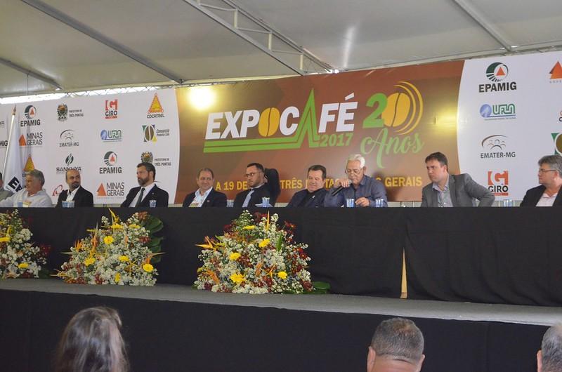 Expocafé abre com produtos que variam de R$ 3 a R$ 1 milhão em Três Pontas (MG)