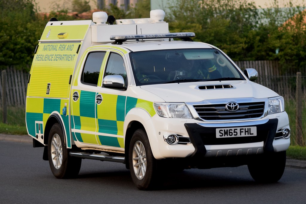 Sm65 Fhl Scottish Ambulance Service Toyota Hilux Sort Wate Flickr
