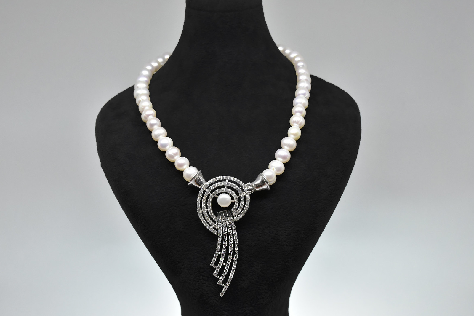 - Ahsen 925K Gümüş Zirkon Taşlı Klipsli Doğal Beyaz İnci Kolye-AH-00020