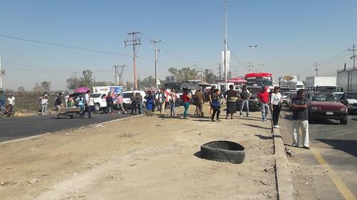 Habitantes de El Salto piden rehabilitación de calles y agua potable