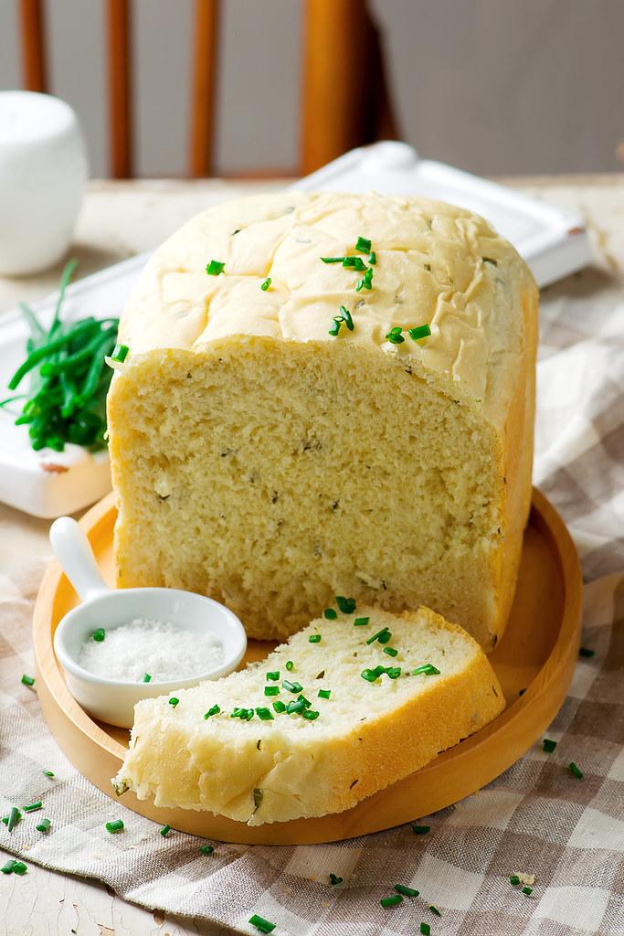 sour cream chive bread .style rustic