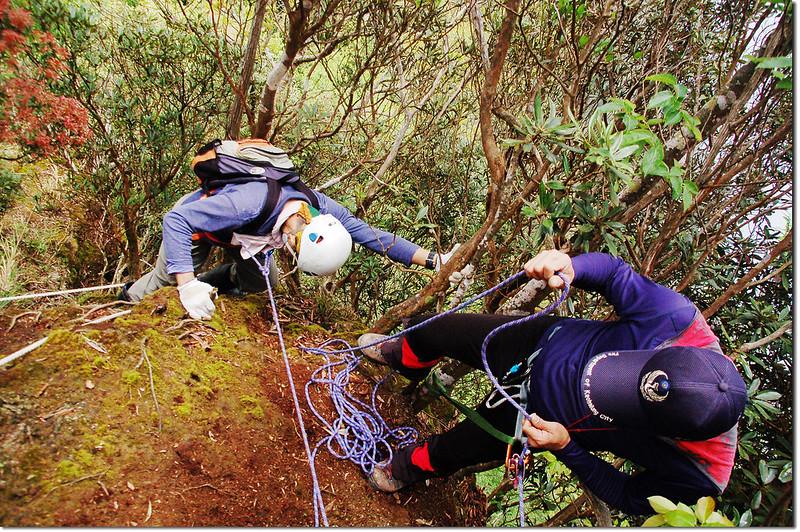 第一處斷稜上段垂降 (4)