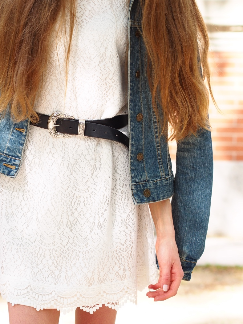 Summer outfit with lace dress and denim jacket