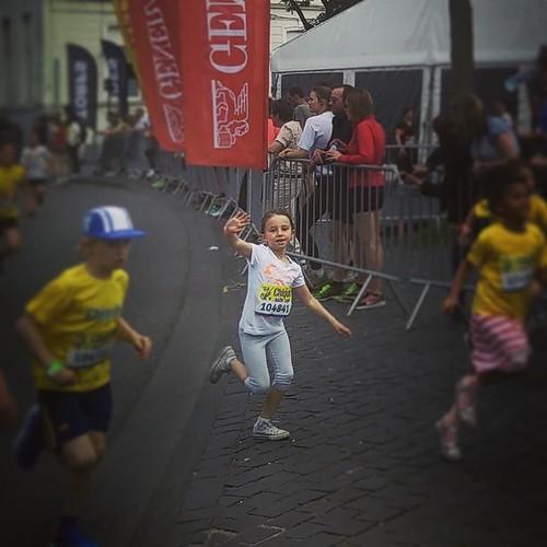Haar eerste kidsrun! #sien90210 #stadsloop #running