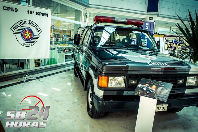 Polícia Militar expõe Viaturas Históricas no Tivoli Shopping