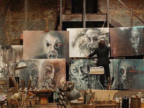 映画『僕とカミンスキーの旅』 © 2015 X Filme Creative Pool GmbH / ED Productions Sprl / WDR / Arte / Potemkino / ARRI MEDIA