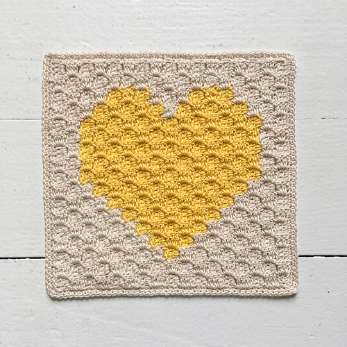 C2C heart mug rug