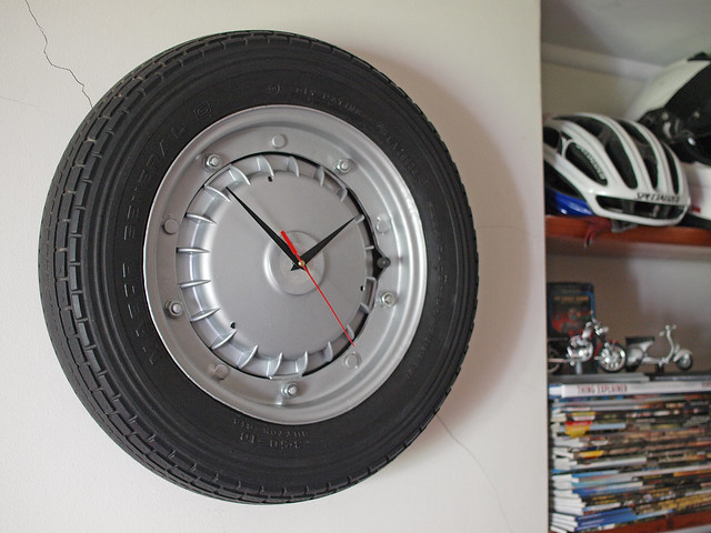 Vespa wheel clock