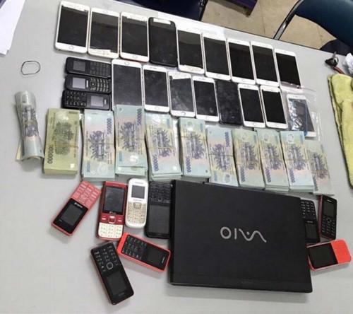 Phá băng cướp giật hàng loạt vụ trên đường phố - ảnh 1
