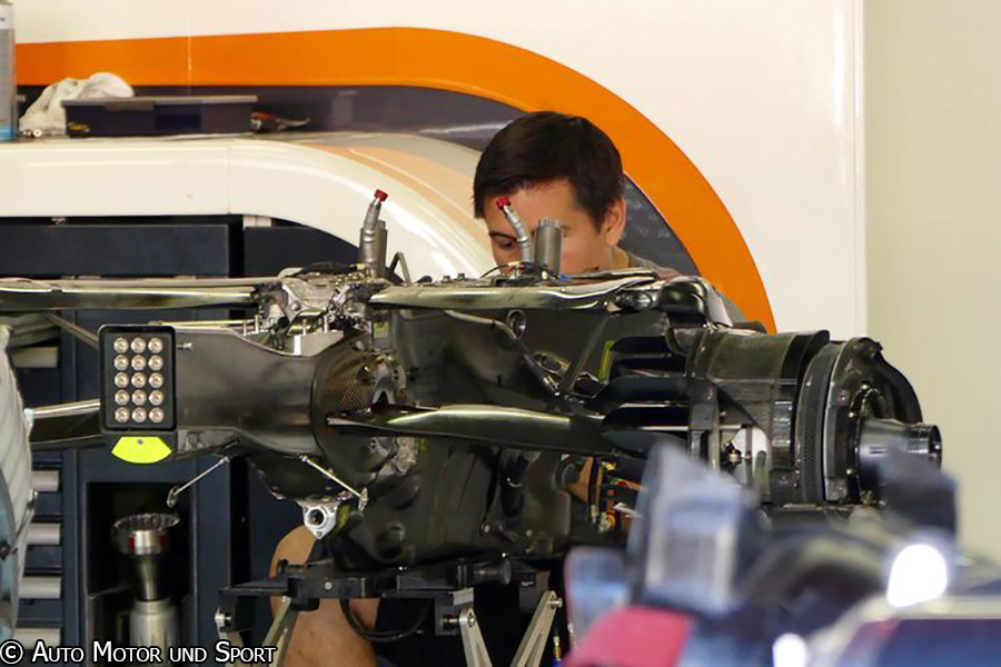 mcl32-gearbox