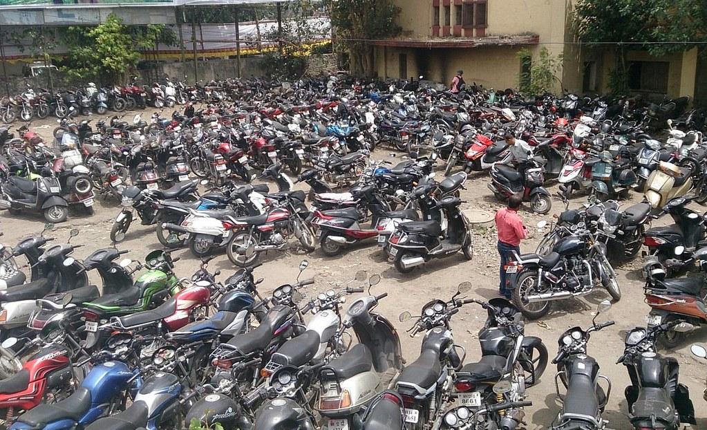 two-wheeler-sales-india-apr15