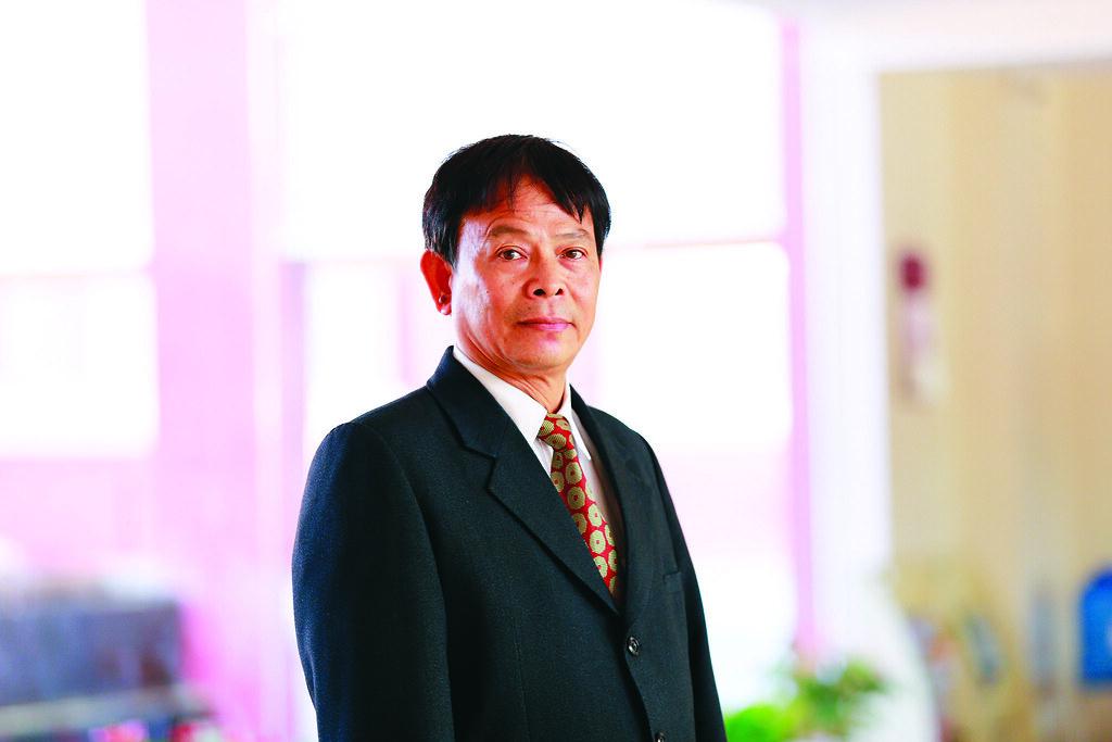 Thay Hoang Nghia Dao