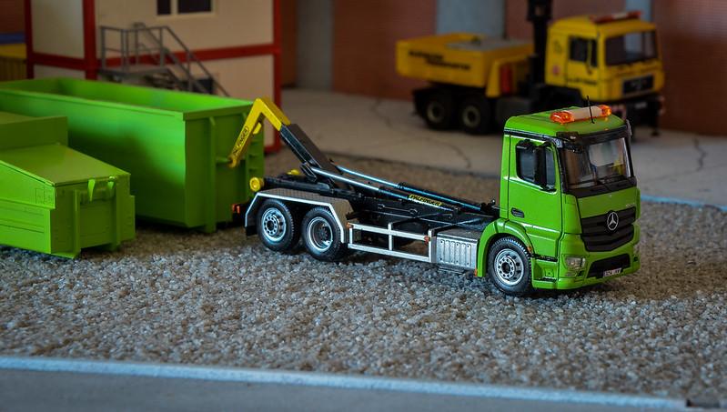 Camiones, transportes especiales y grúas de Darthrraul 34133520910_a405ca1701_c