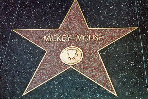 mickey-mouse-star-on-hollywood-blvd-1360758417_org