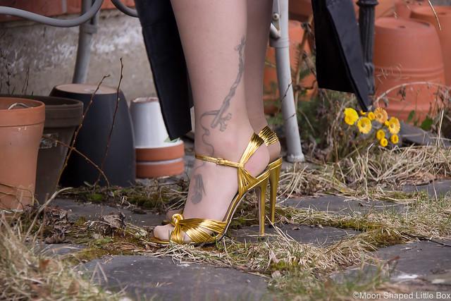 Ghostin Keikalle Asu Läppähame Nahkatoppi Guccit OOTD outfit fashion rockstyle blogger tattoos bloggaaja rock tyyli nahkatoppi