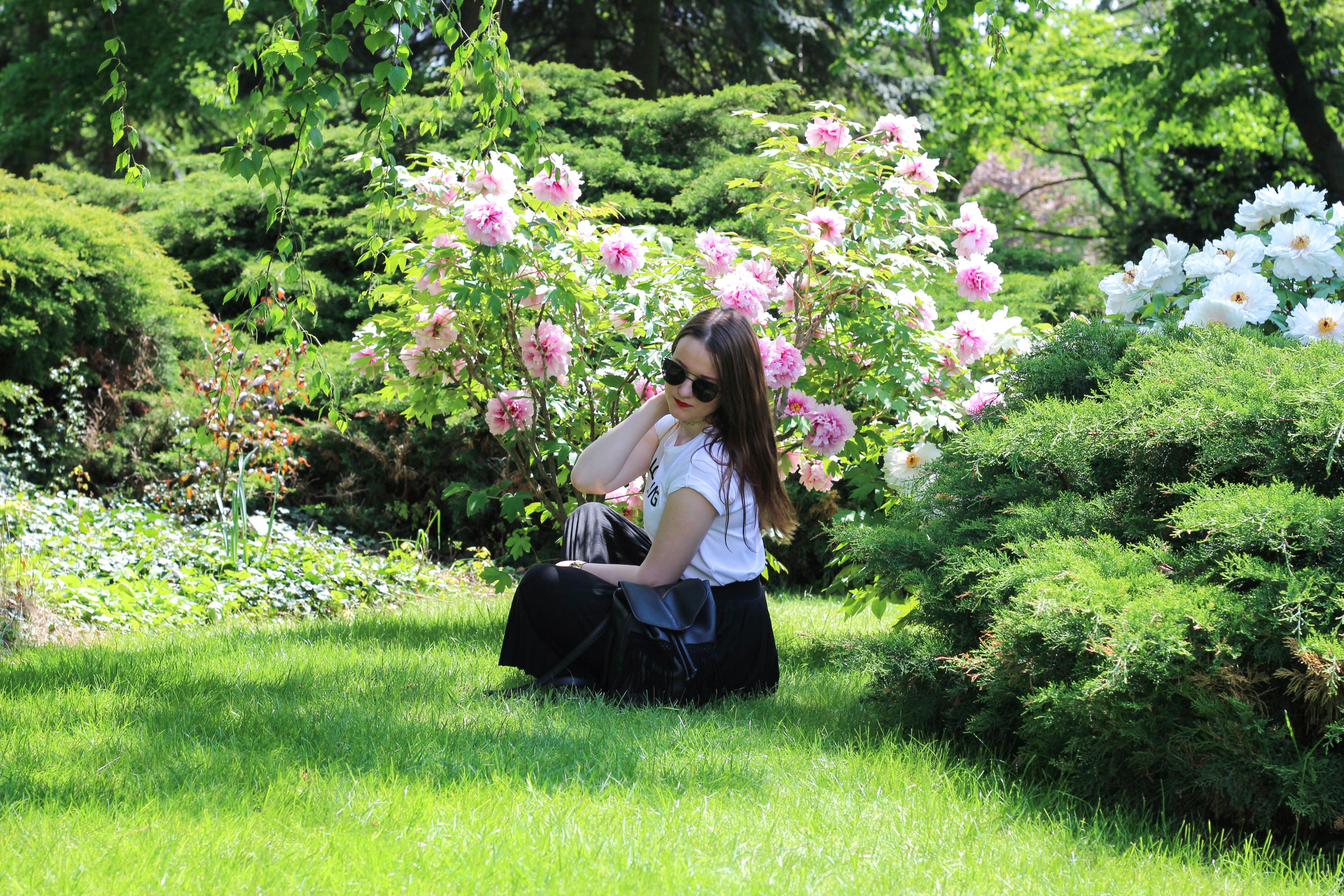 flowers girl botanic garden