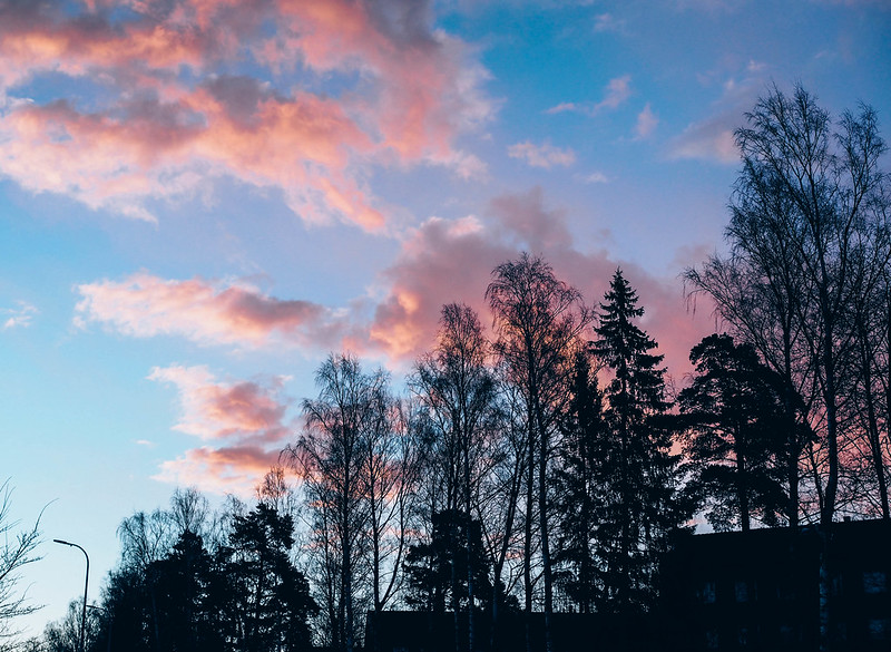 SunriseHelsinkiPinkSkyCloudsViewP5015708.jpg, auringonnousu, aamu, morning, weekend, helsinki, finland, pinkki taivas, pinkit pilvet, pink sky, pink clouds, beautiful sunrise, spring, kevät, colors, värit, maisema, landscape, view, luonto, nature,