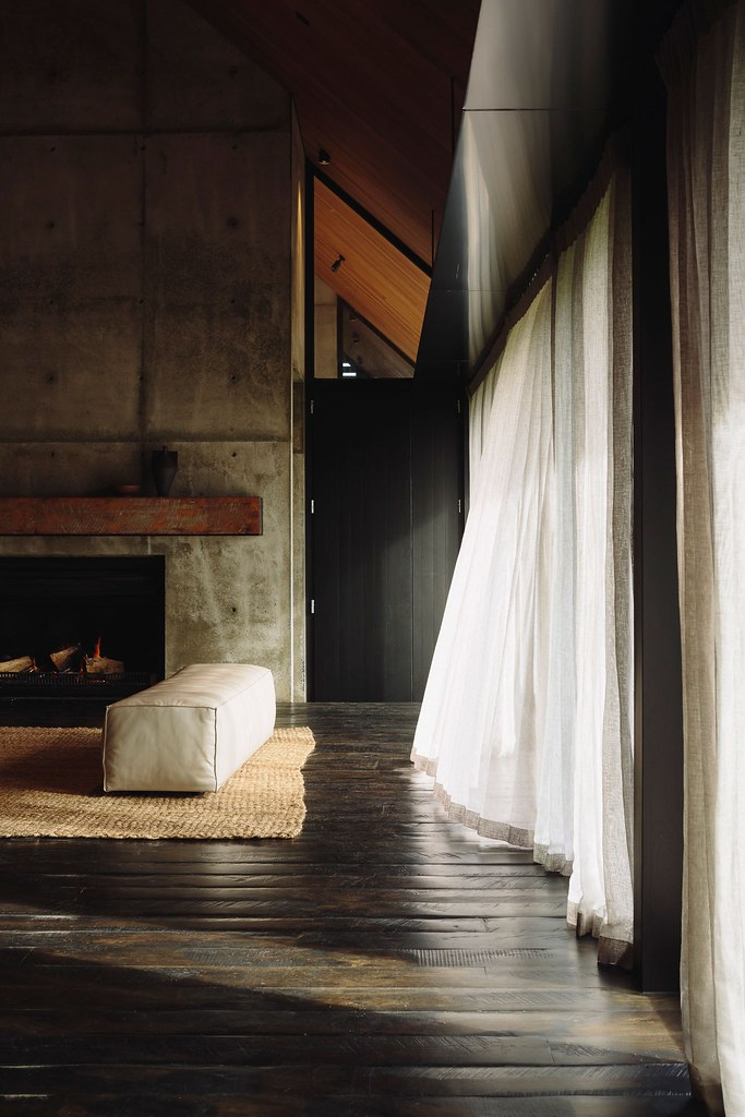 Modern forest house Auckland, New Zealand by Fearon Hay Architects Sundeno_08