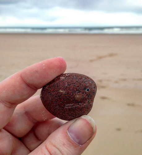 The Grumpiest Pebble . #rocks #pebbles #scottishbeachfinds  #lossiemouthbeach #lossiemouth #beach #scotland #scottishscenery #scottishbeaches