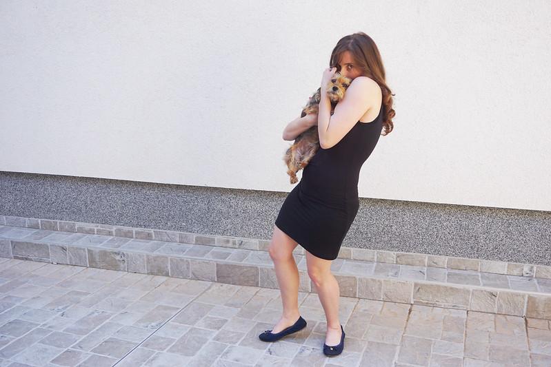 Black dress and Luna