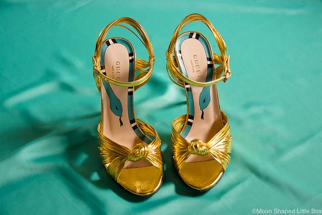 Christian Louboutin Gucci High heels Experiences Kokemuksia Merkkikengistä parhaat kengät mukavimmat korkokengät kokemuksia Guccin kengistä Louboutineista blogi kengät tyyliblogi bloggaaja suomi Christian Louboutin Charleen 100 Patent Poudre Gucci Metallic Gold Sandal