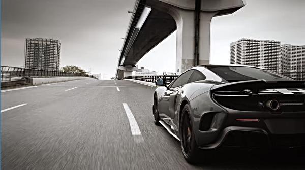 ABCマートのCMに超高級スポーツカー【マクラーレン675LT】が登場!「かっこいい!」と話題に。
