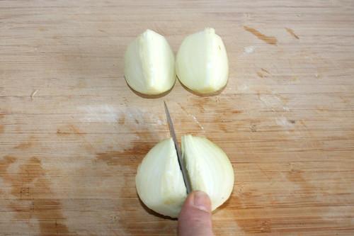 54 - Zwiebel grob zerkleinern / Hackle onion